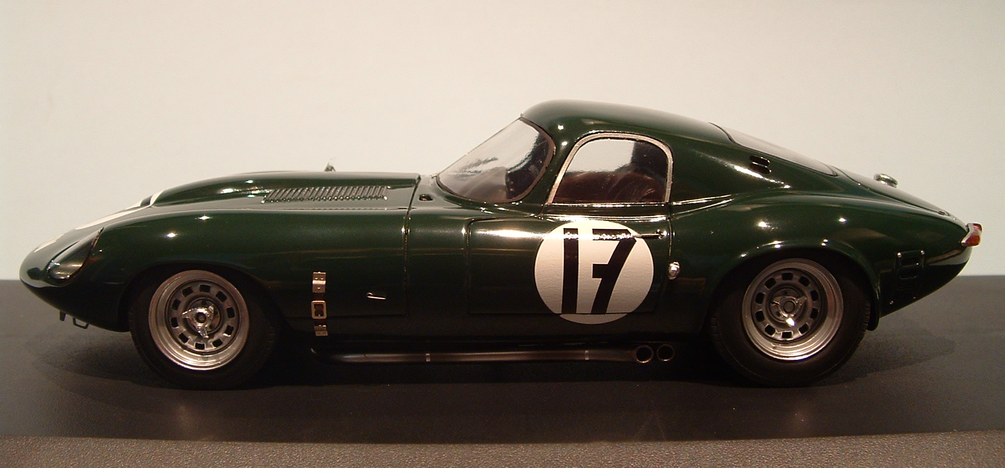 profil24 models montage jaguar type e le mans 1964 kit profil 24. Black Bedroom Furniture Sets. Home Design Ideas